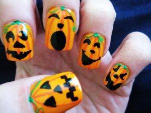 Pumpkin Halloween Nail Art